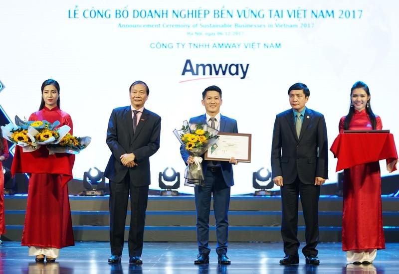 Amway: Top 100 doanh nghiệp phát triển bền vững VN - ảnh 1