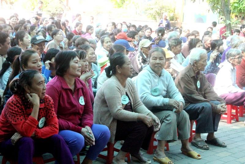 VWS trao 200 phần quà Tết đến người dân Bình Chánh - ảnh 4