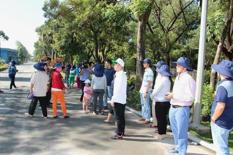 VWS mở cửa mời người dân tham quan bãi rác Đa Phước - ảnh 2