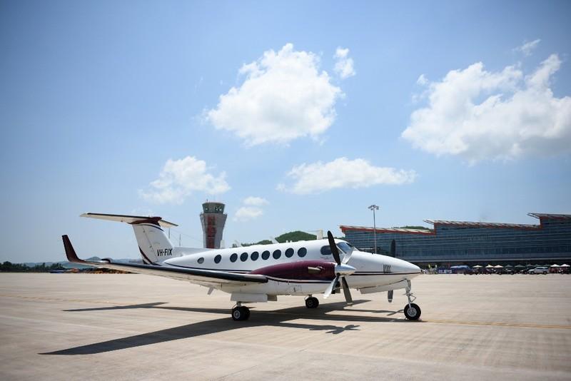 Cảng hàng không Vân Đồn: Thành công chuyến bay đầu tiên - ảnh 1