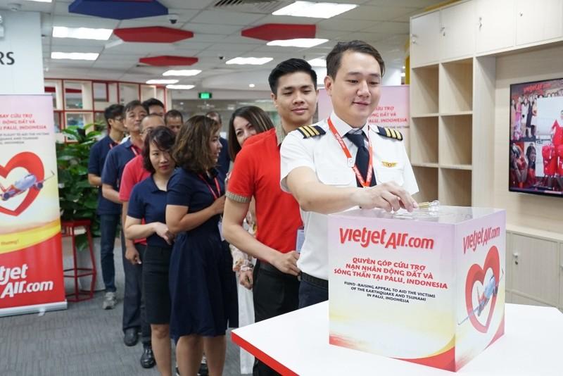 VietJet: Chuyến bay cứu trợ nạn nhân động đất đã tới Indonesia - ảnh 9