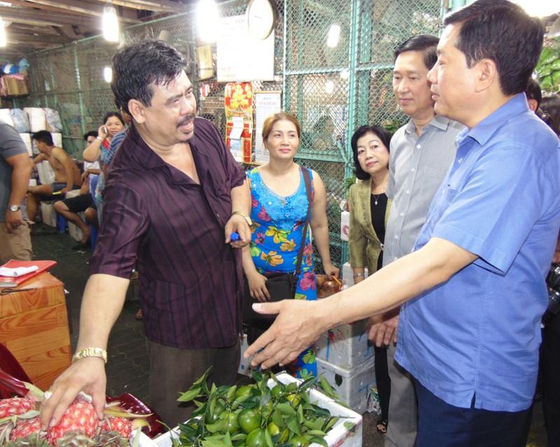 Bí thư Thành ủy TP.HCM lo bữa cơm an toàn cho dân - ảnh 2