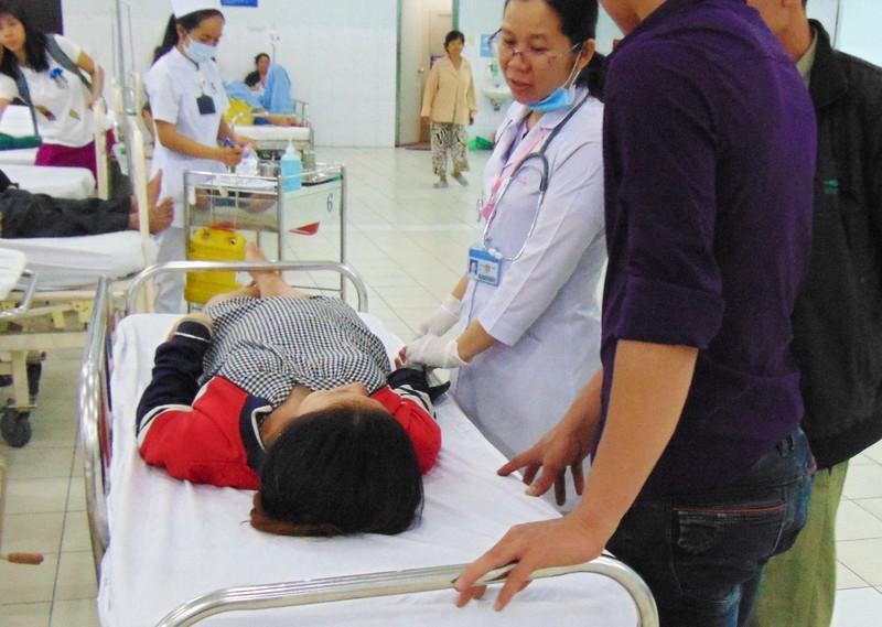 Những chuyện buồn đầu năm trong bệnh viện - ảnh 1