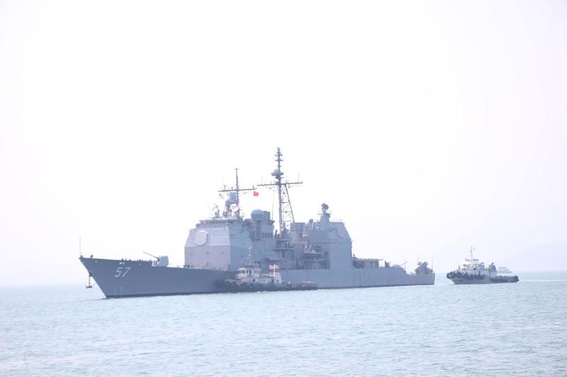 Uy lực 2 chiến hạm hộ tống tàu sân bay Mỹ đến Đà Nẵng - ảnh 7