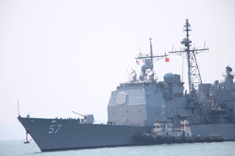 Uy lực 2 chiến hạm hộ tống tàu sân bay Mỹ đến Đà Nẵng - ảnh 8