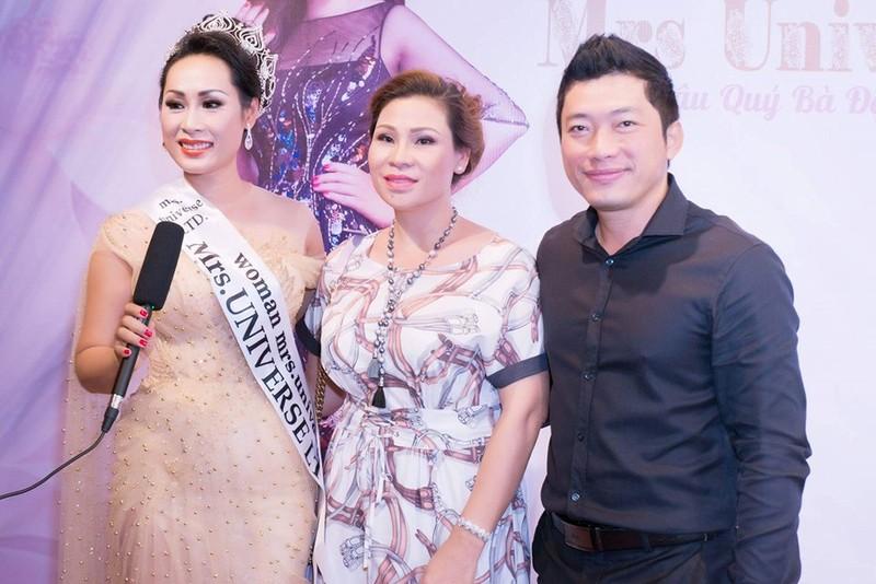Diễn viên Kinh Quốc cùng vợ đại gia chúc mừng Hạnh Lê - ảnh 3