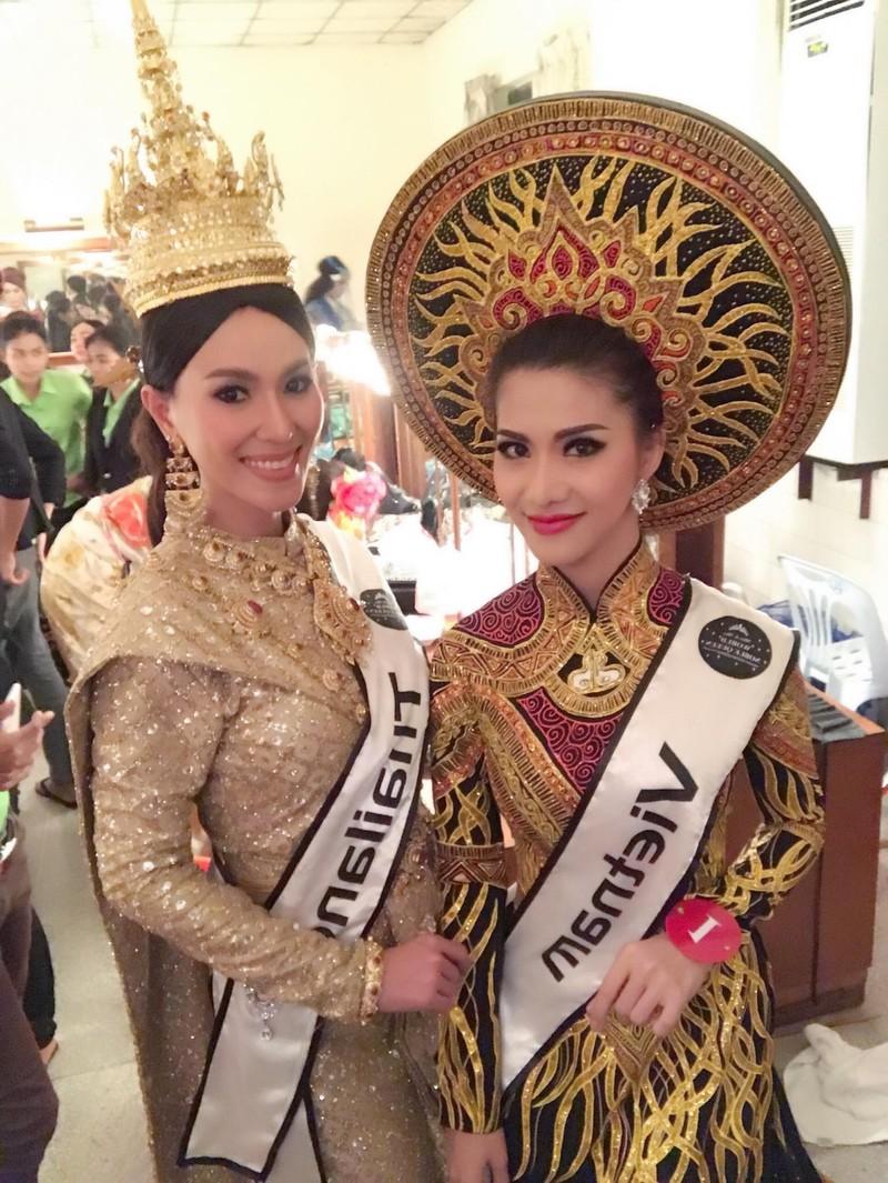Tiếp viên VN Airlines giành 4 giải ở Hoa hậu Quý tộc  - ảnh 6