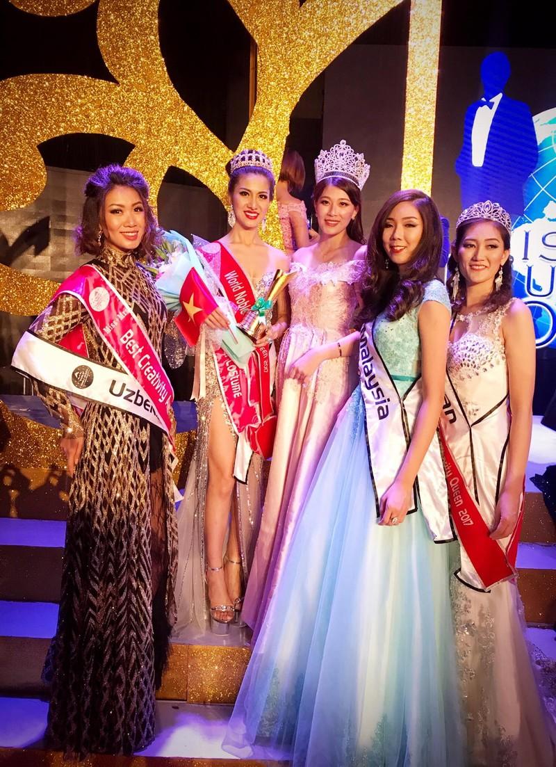Tiếp viên VN Airlines giành 4 giải ở Hoa hậu Quý tộc  - ảnh 1