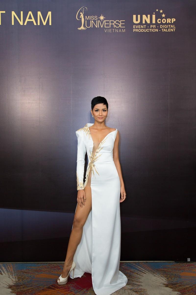 Hoa hậu H'Hen Niê trông gầy ốm làm nhiều người lo lắng - ảnh 3