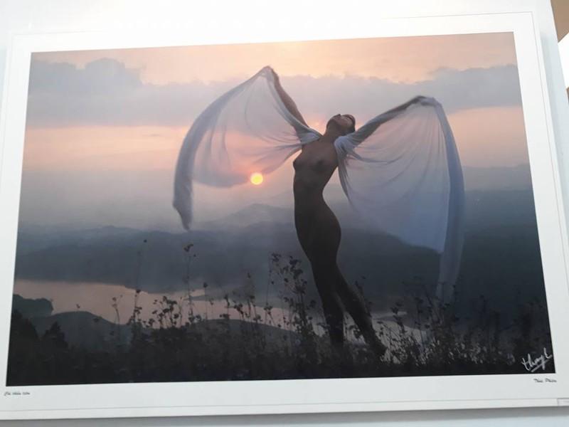 Cận cảnh triển lãm ảnh khỏa thân của nghệ sĩ Thái Phiên - ảnh 6