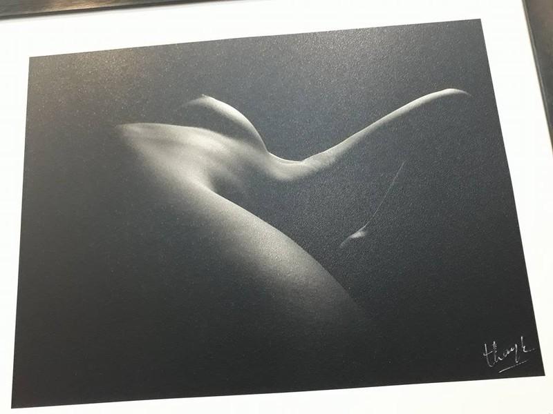 Cận cảnh triển lãm ảnh khỏa thân của nghệ sĩ Thái Phiên - ảnh 9