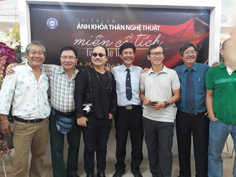 Cận cảnh triển lãm ảnh khỏa thân của nghệ sĩ Thái Phiên - ảnh 3