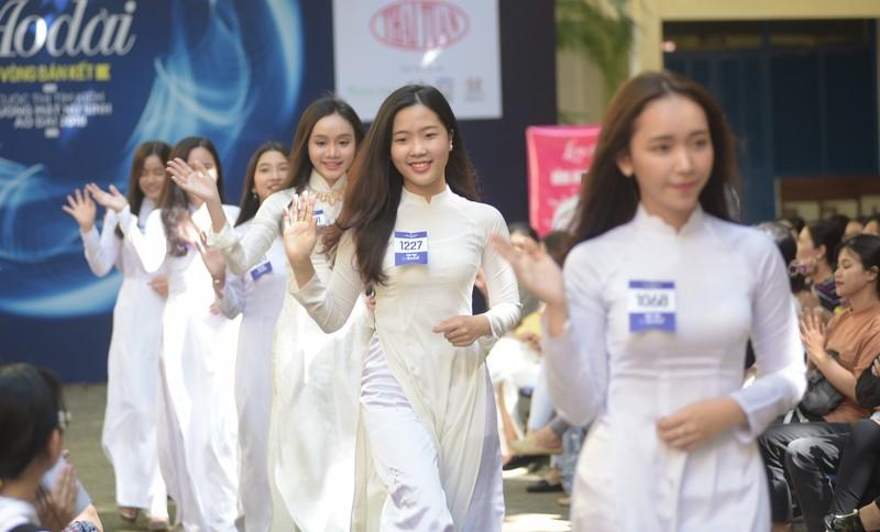 Ngắm vẻ đẹp 20 nữ sinh vào chung kết Nữ sinh áo dài - ảnh 2