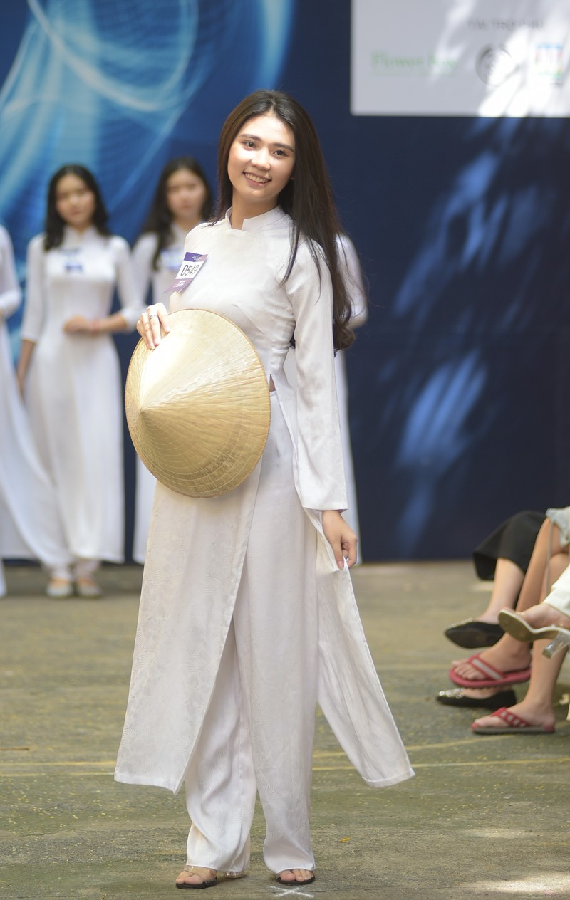Ngắm vẻ đẹp 20 nữ sinh vào chung kết Nữ sinh áo dài - ảnh 1
