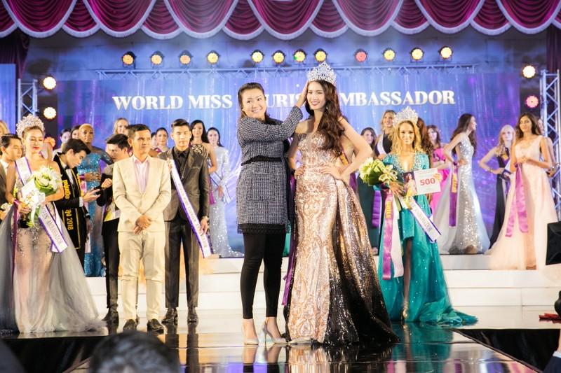 Phan Thị Mơ đăng quang Hoa hậu Đại sứ du lịch Thế giới 2018 - ảnh 7