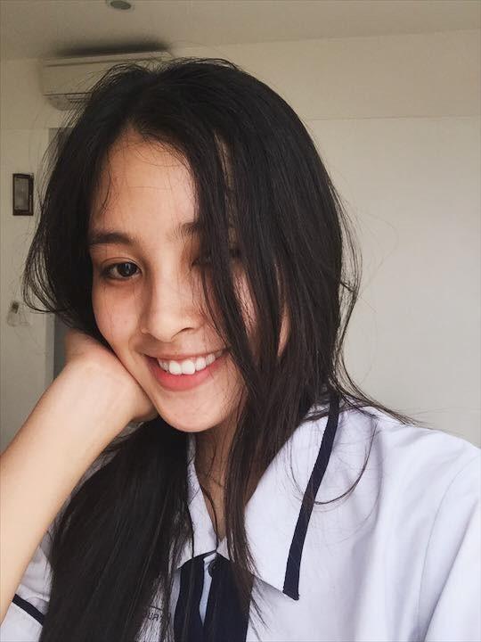 Ngắm mặt mộc xinh đẹp, đời thường của tân Hoa hậu 2018 - ảnh 4