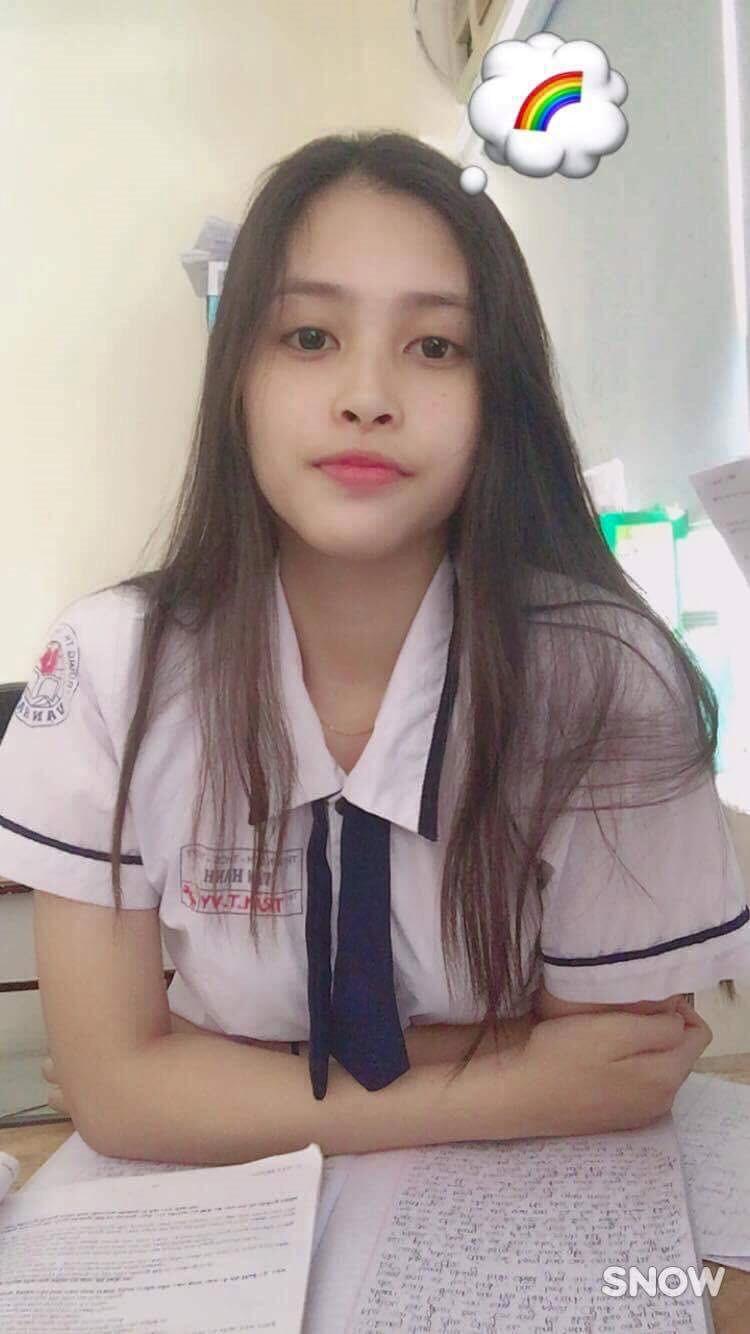 Ngắm mặt mộc xinh đẹp, đời thường của tân Hoa hậu 2018 - ảnh 7