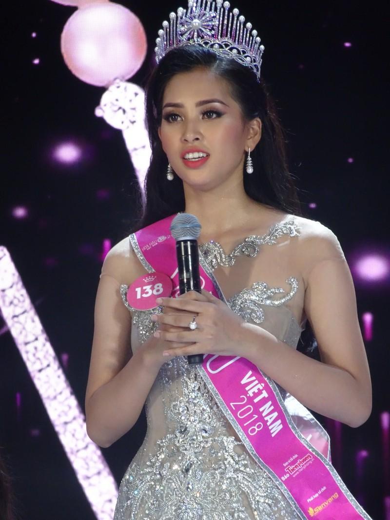 Tân Hoa hậu VN 2018: 'Hiện tại bây giờ em chỉ muốn gặp mẹ!' - ảnh 3