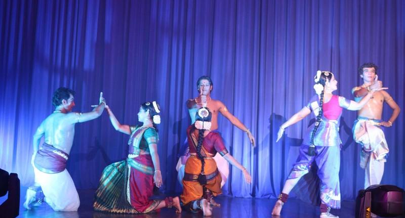 Mãn nhãn với múa truyền thống Ấn Độ  - ảnh 2
