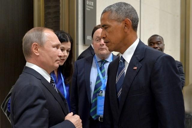 Cách đối đầu trực tiếp của Mỹ càng làm Nga thủ thế. Tổng thống Nga Vladimir Putin (trái) và Tổng thống Mỹ Barack Obama bên lề hội nghị G20 ở Hàng Châu (Trung Quốc) ngày 5-9.