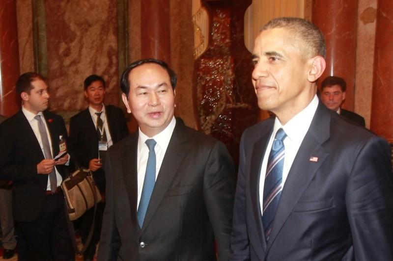 Tổng thống Barack Obama (phải) gặp Chủ tịch Trần Đại Quang trong chuyến thăm Việt Nam ngày 23-5.