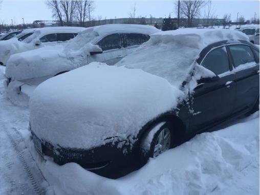 Tuyết phủ dày ở TP Mason City (Iowa, Mỹ) ngày 13-3. Ảnh: TWITTER