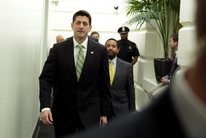 Chủ tịch Hạ viện Paul Ryan đến Quốc hội ngày 24-3, trước thời điểm dự luật bảo hiểm y tế thay thế Obamacare bị Hạ viện hủy bỏ phiếu. Ảnh: REUTERS