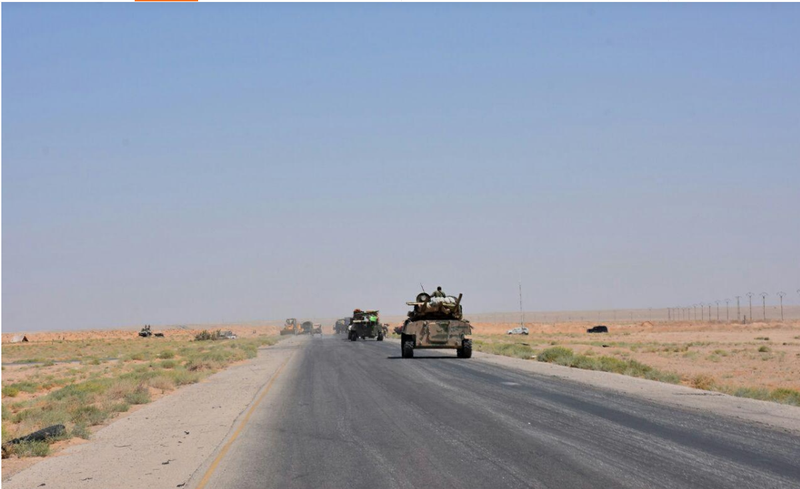Quân chính phủ Syria thắng thế IS ở tỉnh Deir al Zor (đông Syria) ngày 9-9. Ảnh: REUTERS