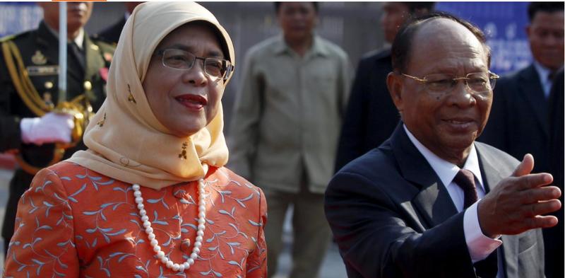Bà Halimah Yacob, người sẽ trở thành nữ tổng thống của Singapore trong chuyến thăm Capuchia ngày 7-5-2015. Ảnh: REUTERS