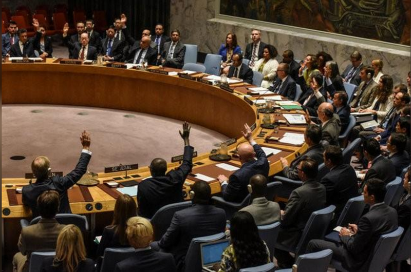 Hội đồng Bảo an LHQ biểu quyết trừng phạt Triều Tiên ngày 11-9. Ảnh: REUTERS