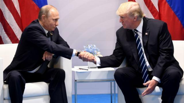 Ông Putin (trái) từng gửi đến ông Trump đề xuất khôi phục quan hệ. Ảnh: GETTY IMAGES