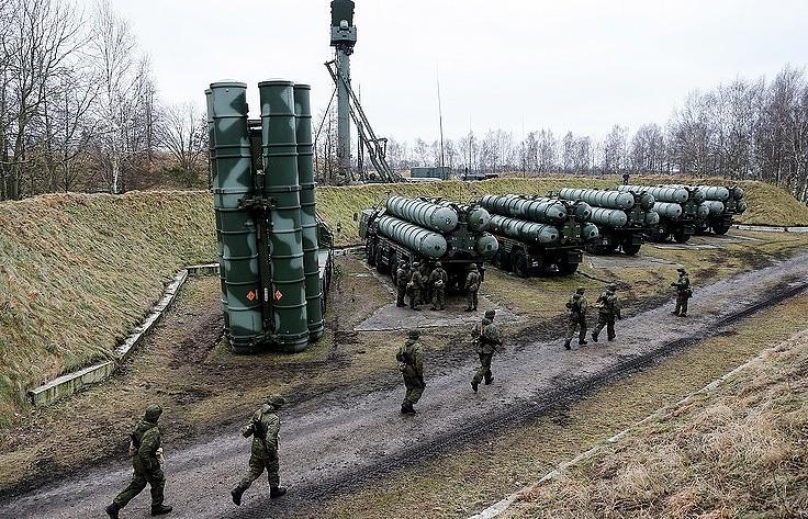 Tên lửa S-400 của Nga. Ảnh: TASS