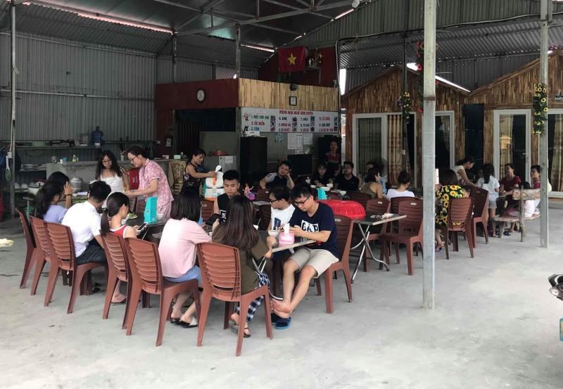 Thời tiết xấu, 5.000 du khách mắc kẹt tại đảo Cô Tô - ảnh 1