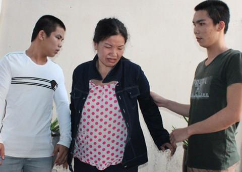 'Mẹ mìn' bắt cóc trẻ em đã bỏ trốn khi được tại ngoại - ảnh 1
