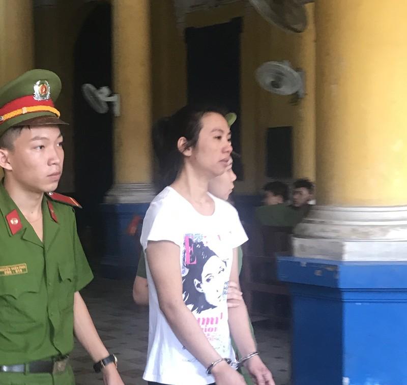 Nhắm mắt làm liều, nữ du khách Thái Lan lãnh án tử - ảnh 1