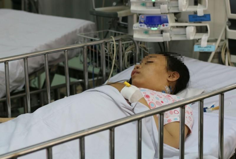Chuyện lạ y khoa: 'Bắc cầu vượt' cho mạch máu để cứu bé gái - ảnh 1