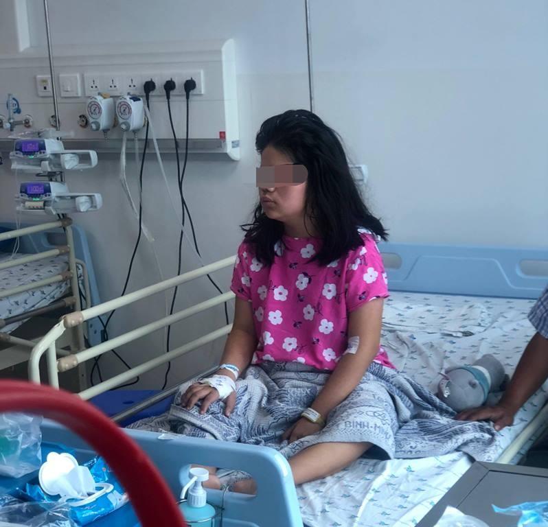 Căn bệnh khiến nữ sinh yếu liệt toàn thân chỉ trong 2 tuần - ảnh 2