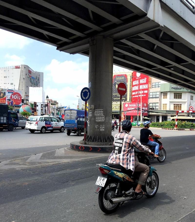 Quảng cáo bôi bẩn đường phố lại tái xuất - ảnh 2