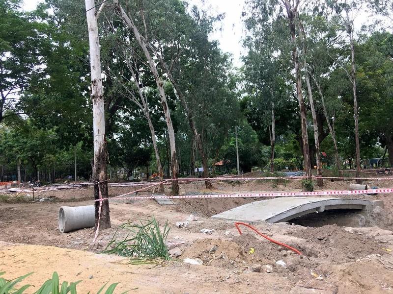 Hố sâu Công viên Gia Định đã được rào chắn - ảnh 3