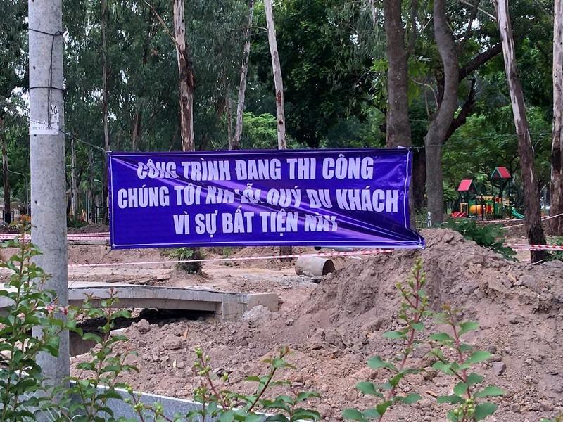 Hố sâu Công viên Gia Định đã được rào chắn - ảnh 6