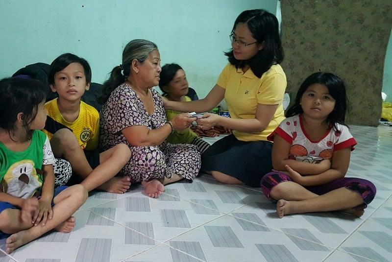 Gia đình 17 người tính chuyện 'làm ăn' từ tiền hỗ trợ - ảnh 1