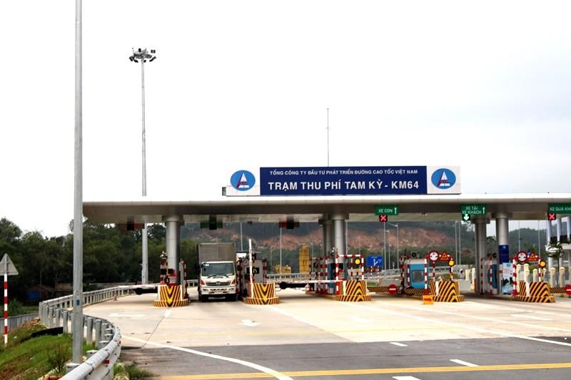 Xe 10 tấn tạm dừng lưu thông trên cao tốc Quảng Nam - ảnh 1
