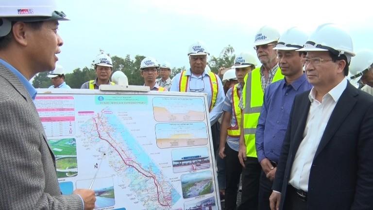 Phó thủ tướng kiểm tra cao tốc Đà Nẵng-Quảng Ngãi - ảnh 1