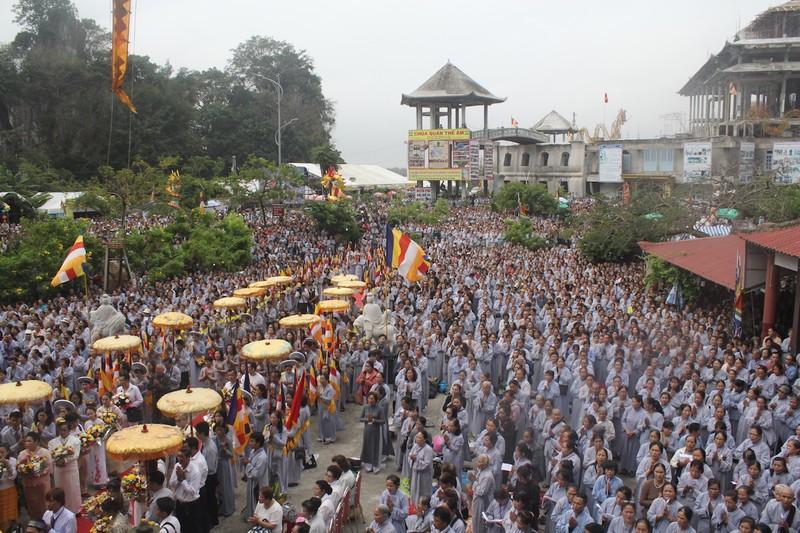 Chùm ảnh: Hàng ngàn người tham dự Lễ hội Quán Thế Âm - ảnh 6