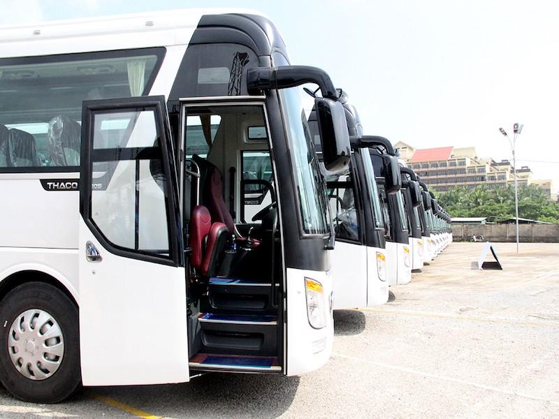 Bàn giao 100 xe vận chuyển đại biểu APEC - ảnh 1