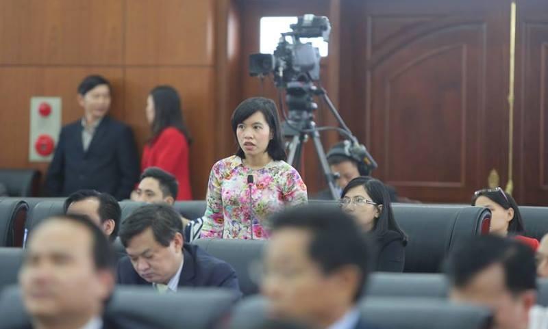 Những nữ đại biểu làm nóng nghị trường Đà Nẵng - ảnh 3