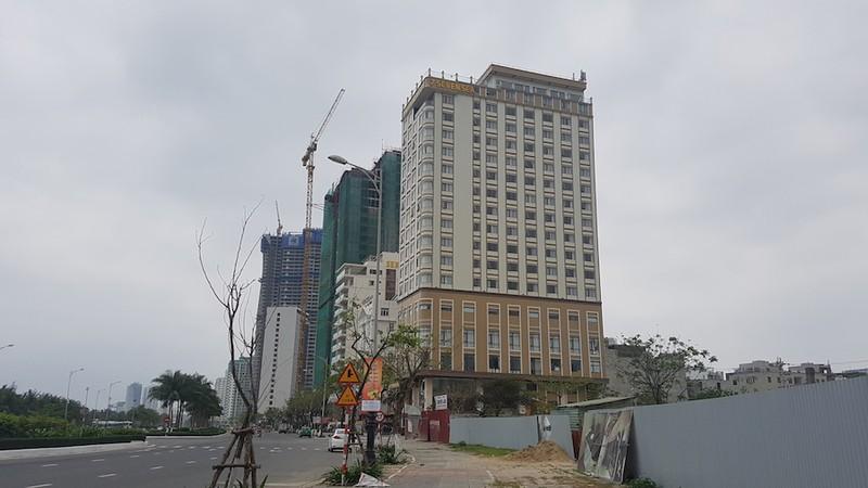 Khách sạn 7 Seven Sea xây vượt tầng trái phép - ảnh 1