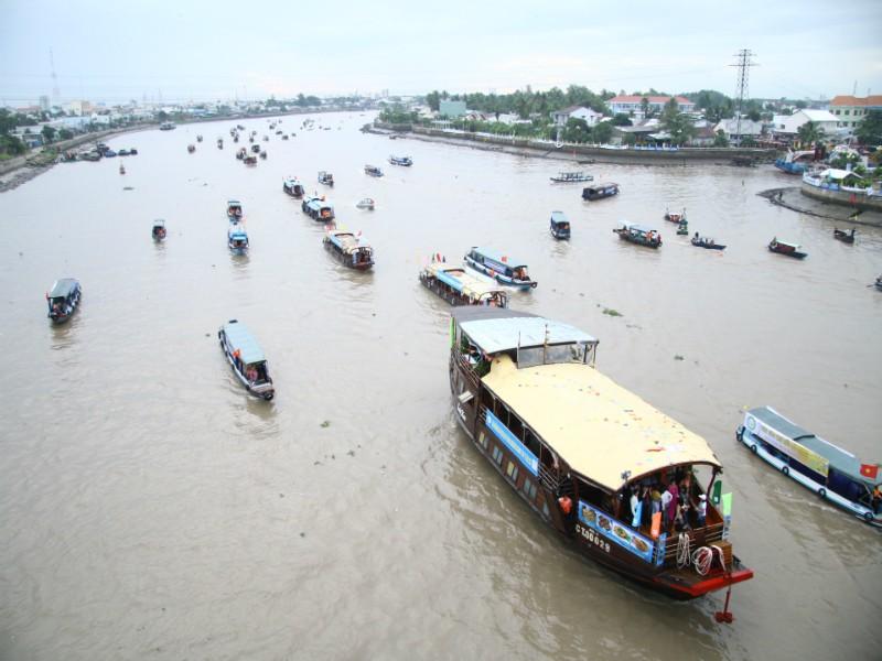 Bồng bềnh trên sông nước ngắm chợ nổi Cái Răng - ảnh 2