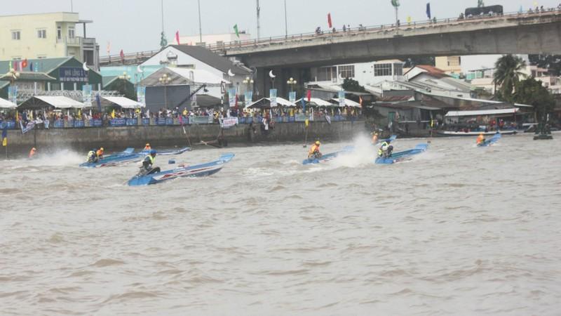 Bồng bềnh trên sông nước ngắm chợ nổi Cái Răng - ảnh 10