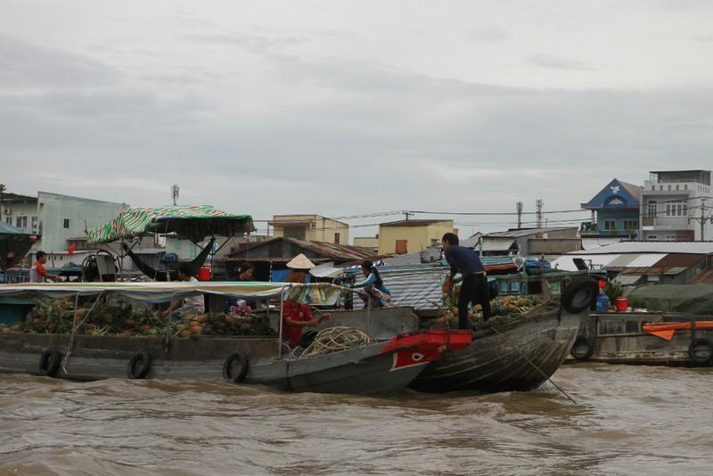 Bồng bềnh trên sông nước ngắm chợ nổi Cái Răng - ảnh 3